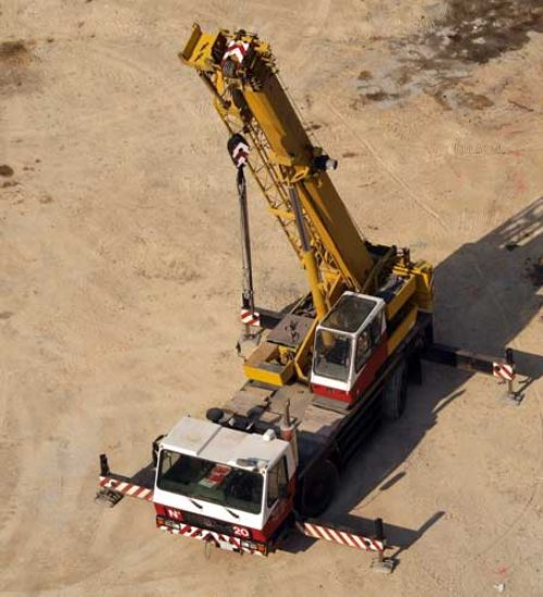 Lease of 25 Ton Crane with operator and rigger